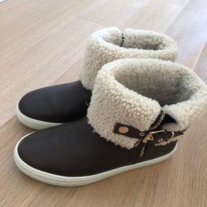 Burberry Skillman Sneaker Boot Size 7